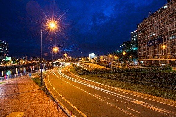 Đèn đường led 120w ánh sáng vàng