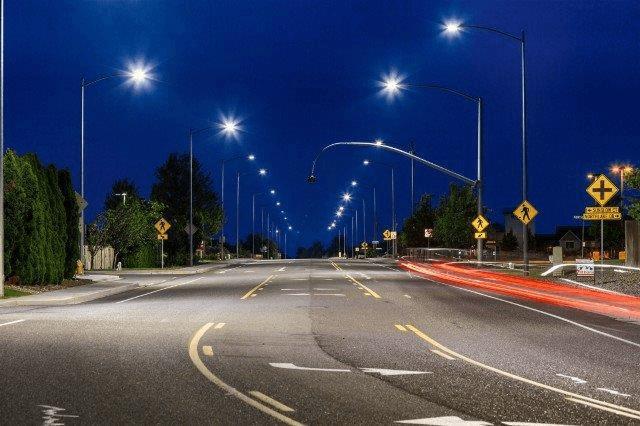 Chóa đèn hỗ trợ chiếu sáng tốt hơn, tiết kiệm chi phí
