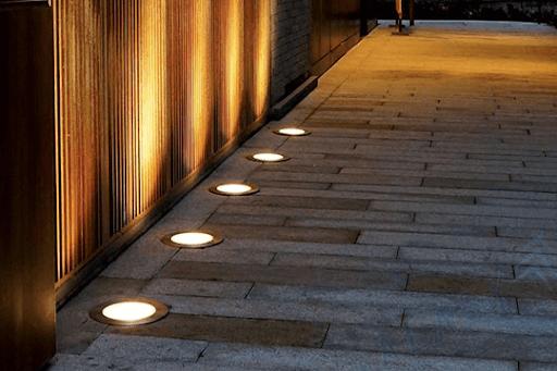 Đèn Led âm đất là loại đèn có tính đột phá cao.