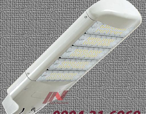 Một sản phẩm đèn đường led ánh sáng trắng tại Phan Nguyễn