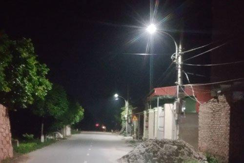 Ngõ xóm sáng hơn nhờ đèn led