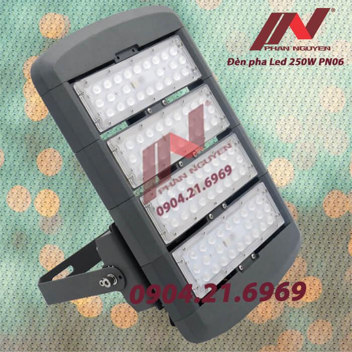 Đèn pha led chiếu rộng 250W