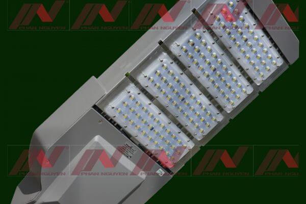 Đèn led chiếu sáng của Phan Nguyễn