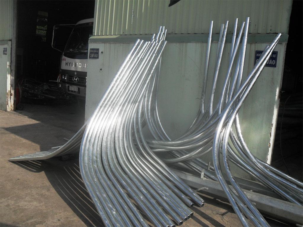 Phan Nguyễn sản xuất cần đèn chiếu sáng chất lượng